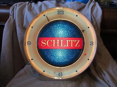 Vintage 1961 Lighted Schlitz Motion Beer Lighted Clock With Water-Like Motion!