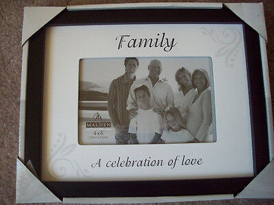 FRAME  Family ~ A Celebration of Love  4 X 6 PHOTO / PICTURE  NEW!   Great Gift!