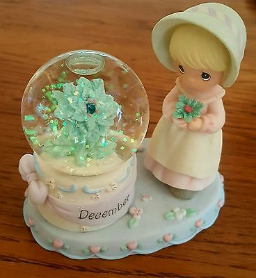 Beautiful Christmas Precious Moments Snowglobe With Sparkling Snow (December)