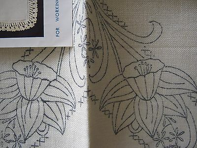 True VINTAGE ART DECO 1940's hand embroidery cloth & work chart (like new!)
