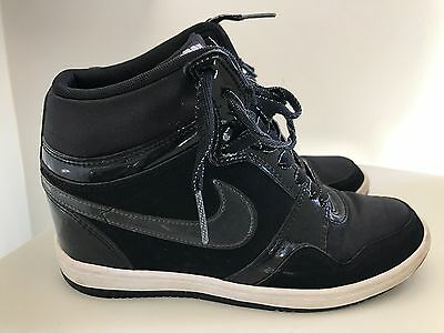 NIKE Black Wedge Sneakers - Size 7.5