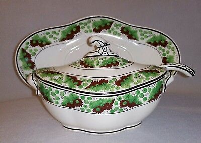 Circa 1805 Spode decor. Creamware Sauce Tureen on Stand with Ladle pattern 1557