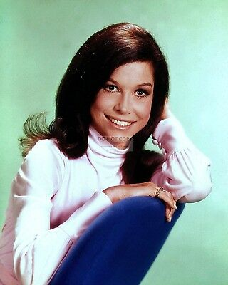 Mary Tyler Moore Legendary Film Television Actress 8X10 Publicity Photo (Zy-839)