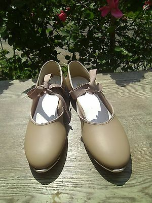 Theatrical's Womens Leather Dance Class (Tap Shoes) Tan Beige Nude Sz 9 M