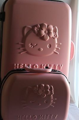 Hello Kitty valigia trolly a 4 ruote con suo beauty in suit