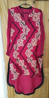 Threads & Motifs ladies designed embroidered suit, Size 12/14