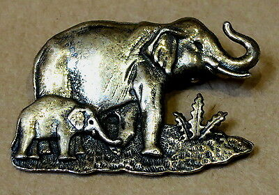 Beautiful Silver Plated Elephant & Baby Brooch Pin