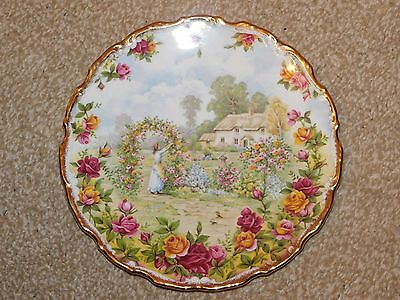 "Royal Albert ""a Celebration Of The Old Country Roses Garden"" Bone China Plate"