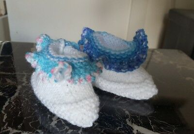 Hand knitted ruffle booties - 0-3 months