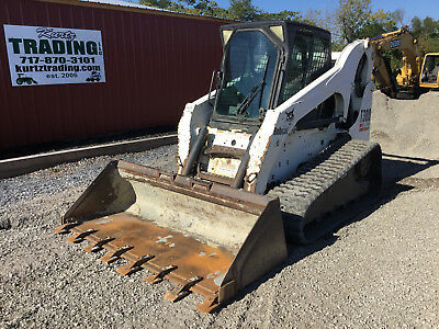 2005 Bobcat T300 Tracked Skid Steer Loader w/ Cab & Joystick Controls!