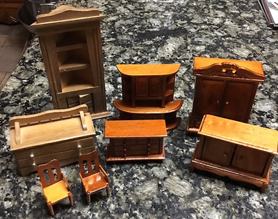 Lot Of 8 Miniature Wooden Doll House Furniture - All In Excellent Condition