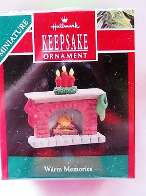 1990 Hallmark Keepsake Miniature Christmas Ornament WARM MEMORIES