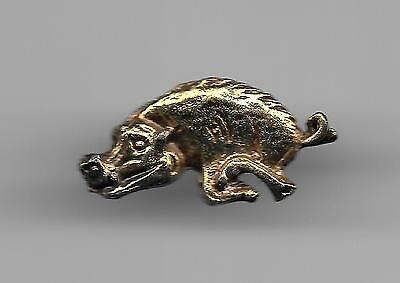 Vintage Sculpted Razorback B old metal lapel pin