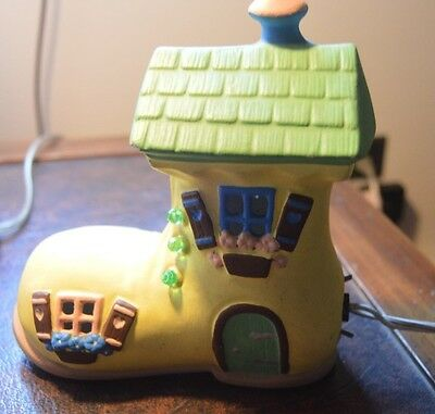 """Vintage Nursery Night Light """"There Was An Old Woman Who Lived In A Shoe"""" Ceramic"""