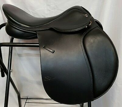 "Trainer's Cross Country Saddle 18"" Black"