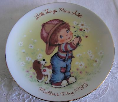 "1983 Avon mothers day plate ""Little Things"""