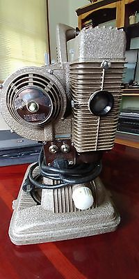 VTG Revere 8mm Movie Projector Model 85 with Case