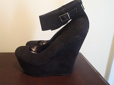 Breckelle's Ankle Strap Wedge Heel Black Shoes Size 7 Back Zip