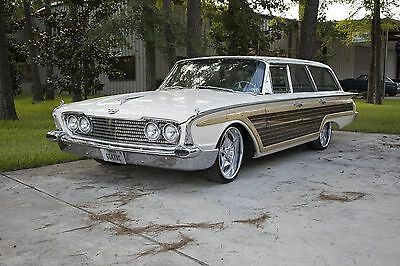 1960 Ford Country Squire  1960 Ford Country Squire Wagon