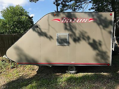 2012 Triton TC11, NEAR NEW! OVER $5000 NEW! SNOWMOBILE/DIRTBIKE  FOLD DOWN RAMP