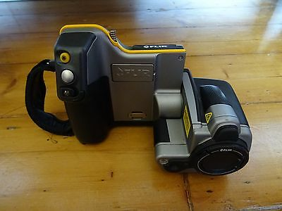 FLIR B335 Infrared thermal camera with accessories