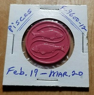 Vintage Cracker Jack F-9600-12 Series Plastic Zodiac Coin, Pisces Two Fish  Toy