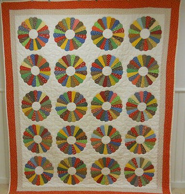 Excellent!  Dresden Plate Quilt. Hand Done. From Virginia. 82 x 70 Inches