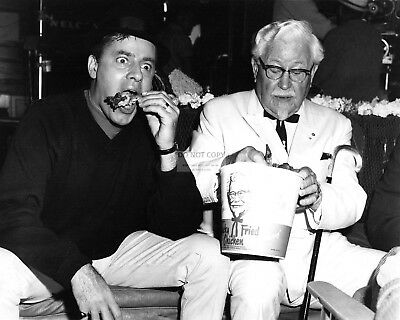 """Jerry Lewis And Colonel Harland Sanders In """"The Big Mouth"""" - 8X10 Photo (Op-149)"""