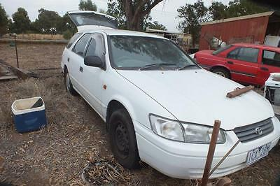 Toyota wagon 1998 to suit parts or rest selling hole car.Shepparton vic area.