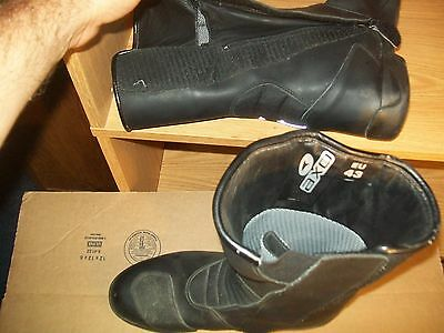 AXO men's motorcycle boots size EU 43 US 9 black great condition