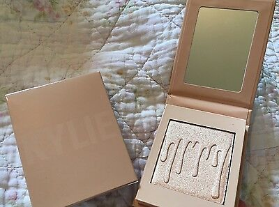Kylie Jenner Kylighter Kylie Cosmetics Salted Caramel Highlighter - In hand