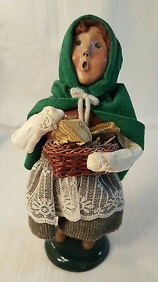 "2001 BYERS CHOICE THE CAROLERS ""Child with Fish Basket""  225"