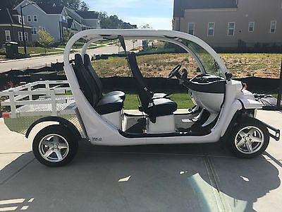 2015 GEM Electric Car by Polaris E4S  ONLY 200 Miles, Alloy Wheels CLEAR TITLE