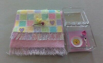 Dollhouse Miniatures 2 pink baby blanket set toys baby dish & sippy cup 1:12