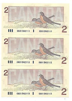 3 x 1986 CANADA TWO DOLLAR BANK NOTES (UNC/CONS)