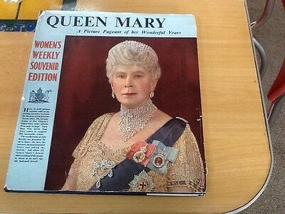 'queen Mary, A Picture Pageant Of Her Wonderful Life' Woman's Weekly Souvenir Ed
