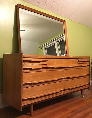 Mid Century Modern Blonde Wood Chest of Drawers with Mirror