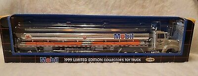NIB 1999 Mobil Limited Edition Die Cast  Collector's Toy Truck Sound and Lights