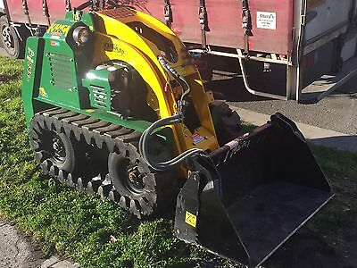 KANGA 8 SERIES TRACKED LOADER in Great Condition
