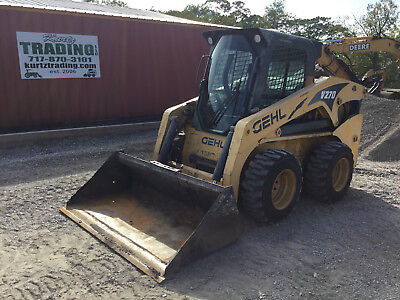 2012 Gehl V270  Skid Steer Loader w/ Cab, 2 Speed High Flow!