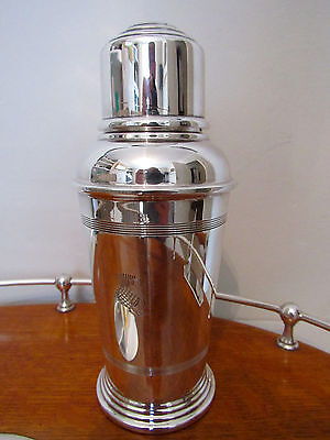 Silver plate cocktail shaker by Goldsmiths and Silversmiths