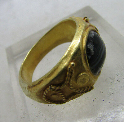 Ancient Roman high purity gold ring with glass mosaic insert