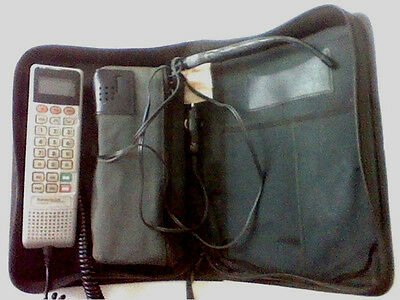 Vintage SCN2954A American Wireless by Motorolla cellular phone & carrying case