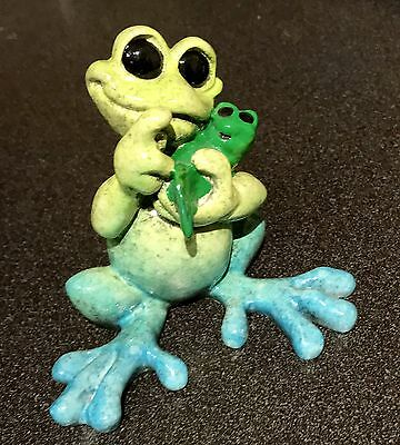 """Kitty's Critters - """"Coochie Coo"""" Frog w/Baby Frog - Brightens Any Surroundings"""