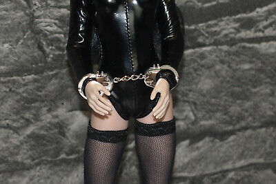 Doll handcuffs working, hot toys, barbie, ken, 1/6 scale