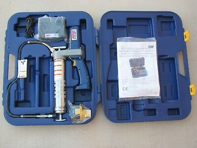Lincoln 1200 B cordless Power luber Grease Gun Model 12 Volt battery & Charger