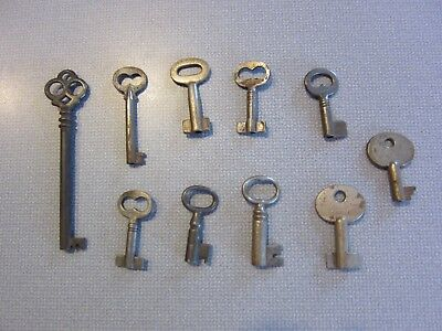 Lot of (10) Vintage Hollow Barrel Keys Antique Charm Steampunk Old Look Art