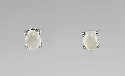 a8-27352 White Moonstone Ear Studs 925 Silver