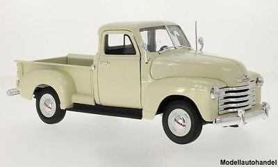 Chevrolet 3100 Pick Up 1953  -  beige  -  1:18 Welly