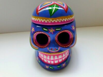 Cerámic skull with lid,(2Wx3Hx3L inches) purple color ,hand painted by jhf